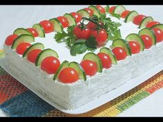 Sandwich Cake with cream cheese, olives and fish. Simple and very tasty. Ingredients for Cake Sandwich Bread for toast: 400 gr. Tee Sandwiches, Sandwich Torte, My Favorite Food, Favorite Recipes, Christmas Party Food, Food Garnishes, Tasty, Yummy Food, Cake With Cream Cheese