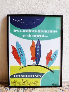 """Poster breton """" Les sardines se donnent"""" de la collection """" les sardines en fête"""" - Breizh Nana"""