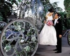A Cinderella carriage for your wedding. Nice.