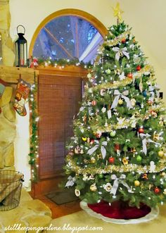 Still Keeping On The Narrow Way: Christmas Traditions At Our House: The Lights