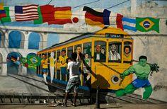 Brazil street art - World Cup 2014 Hot Shots, Ecuador, Learn Brazilian Portuguese, Street Art, Football Art, World Cup 2014, Arts And Entertainment, Tag Art, Graffiti Art