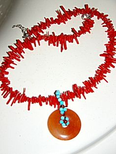 UNUSUAL VINTAGE BRANCH CORAL JADE TURQUOISE NECKLACE