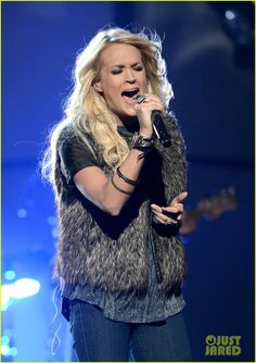 Carrie Underwood to perform at the Grammy's