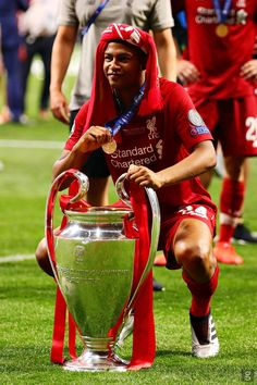 From breaking news and entertainment to sports and politics, get the full story with all the live commentary. Liverpool Players, Fc Liverpool, Liverpool Football Club, Steven Gerrard, Premier League, European Cup, Camp Nou, Football Soccer, The Beatles