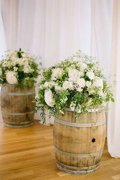 With their rustic charm and versatility, whiskey (and wine) barrels are an easy way to really bring your wedding decor from drab to fab.From flowers stands, to cocktail tables we've found some great whiskey barrel styling ideas for your big day!