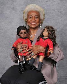 Nichelle Nichols (Lt. Uhura from the original Star Trek TV show) appreciates AG dolls! The Adventures of Steampunk Addie blog