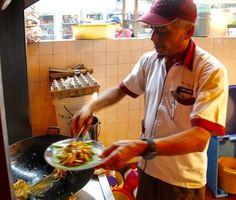 Courtesy Vkeong - JAMES BOND CHAR KOAY TEOW @ Restoran WDS @ Jalan SS 2/6 Petaling Jaya