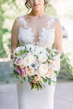 """From the editorial """"An Elegant Persian Wedding at Hummingbird Nest Ranch."""" We are obsessing over this Ines Di Santo gown and bouquet created by the talented Unique Floral Designs! Vintage Wedding Theme, Wedding Themes, Wedding Colors, Wedding Styles, Wedding Day, Garden Wedding, Pippin Hill Wedding, Hummingbird Nest Ranch, Wedding Bouquets"""