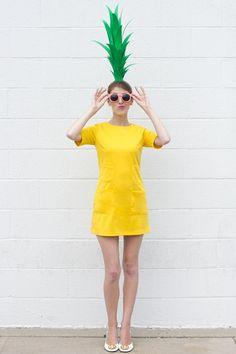 DIY Pineapple Costume for Halloween - Kids costumes Diy Fruit Costume, Pineapple Costume Diy, Diy Teen Halloween Costumes, Fruit Costumes, Cute Halloween Costumes, Homemade Halloween, Halloween Kostüm, Costume Ideas, Pineapple Halloween