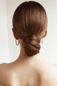 Chic Updo Hairstyles for Modern Classic Looks - chic updo hairstyles, updo for medium hair, updo hair - Pulled Back Hairstyles, Easy Hairstyles For Long Hair, Sleek Hairstyles, Bride Hairstyles, Straight Hairstyles, Hair Pulled Back, Classy Hairstyles Medium, Simple Hair Updos, Model Hairstyles