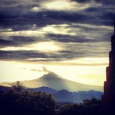 Mexico.El Popocatépetl visto desde Cuernavaca Morelos,