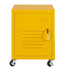 AN AMERICAN LOOK Flaunting the same colour as the famous New York taxis, the LOFT yellow metal bedside table on wheels is perfect for adding an o Yellow Home Offices, Yellow Office, Double Desk, Metal Lockers, Vintage Industrial Furniture, Lantern Candle Holders, Colorful Furniture, Head Boards, Industrial Style