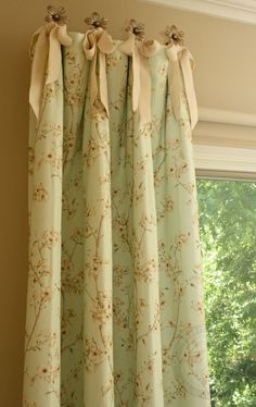 Modern & Contemporary Bay Window Curtains The most impressive window in the house deserves fabulous curtains and blinds. See what options are available for bay windows below Diy Curtains, Hanging Curtains, Curtains With Blinds, Window Curtains, Valances, Sewing Curtains, Window Seats, Cornices, Sheer Curtains