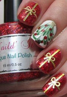 Christmas nails with glitter