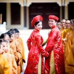 Azok+az+esetek,+amikor+egy+lány+házasságon+kívül+esik+teherbe,+nem+ritkák+Ázsiában+sem.+De+egy+olyan+hagyománytisztelő+országban,+mint+Vietnam,+ez+óriási+szégyen+a+lányra+és+az+egész+családra+nézve.+Egy+idő+óta+azonban,+aki+anyagilag+megengedheti+magának,+bérelhet+vőlegényt…