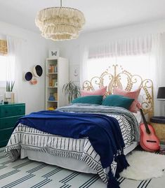 51 Chic Teen Girl Bedroom Ideas to Inspire You Teenage Girl Bedrooms, Girls Bedroom, Bedroom Decor, Bedroom Ideas, Master Bedroom, All White Room, White Rooms, My Room, Girl Room