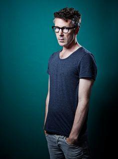 Aidan Gillen ... love the specs. :)