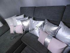 Cojines sofá salón moderno gris blanco rosa