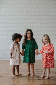 Artful prints for artful kids! For sleep and play, La Paloma's triple-washed cotton nightdresses are perfect for all of the magical moments of childhood.
