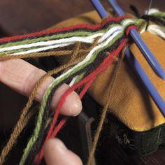 Magasin for Bunad og Folkedrakt Card Weaving, Tablet Weaving, Finger Weaving, Lucet, Going Out Of Business, Plait, Paracord, Textile Art, Sewing Crafts