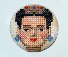 Broche Frida Kahlo  Punto de Cruz  Único  Hecho a por COSIMITAS