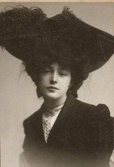 """Florence Evelyn Nesbit (December 25, 1884 – January 17, 1967),  Florence Evelyn Nesbit known professionally as Evelyn Nesbit, was a popular American chorus girl and artists' model whose liaison with renowned architect Stanford White immortalized her as """"The Girl in the Red Velvet Swing."""""""