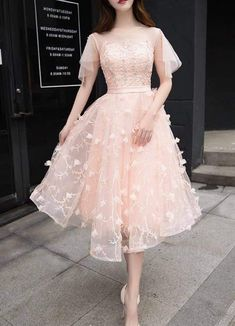 Design: Round Neck Flare Sleeves Keyhole Back Band Floral Embellishment Embroidered Lace Lace Up Back About me: Shell: Chiffon Hand Wash Going Out Dress Simple Dresses, Elegant Dresses, Casual Dresses, Fashion Dresses, Pretty Outfits, Pretty Dresses, Beautiful Outfits, Lace Dress, Dress Up