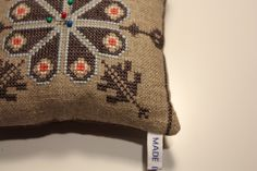 Made in Home: Burlap pincushion {free pattern - cross-stitch}