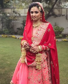 Pinterest: @pawank90 Indian Bridal Outfits, Indian Bridal Wear, Asian Bridal, Bridal Dresses, Indian Dresses, Indian Wear, Bridal Dupatta, Wedding Lehnga, Indian Wedding Bride