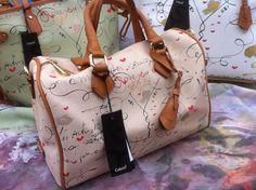 Ci sembra di aver capito che il colore della vostra borsa primaverile ideale fosse il beige... http://www.caleidostore.it/it/16-limited-edition