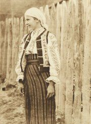 Romanian European Dress, Moldova, My Heritage, People Of The World, Romania, Bohemian, Textiles, Culture, Popular
