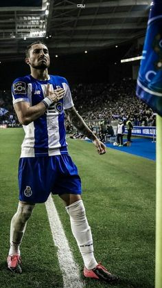 Alex Telles, Fc Porto, Cristiano Ronaldo, Football Players, Manchester United, The Unit, Sports, Star, Baby