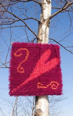 Rakkausryijy_pieni_punainen Rya Rug, Wool Rug, Latch Hook Rugs, Rug Hooking, Handmade, Life, Hand Made, Wool Rugs, Craft