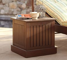 Hampton Umbrella Side Tables