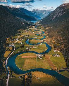 Beautiful Landscapes, Beautiful Gardens, Scandinavian Countries, Arctic Circle, Mountain Hiking, Natural Wonders, Wonders Of The World, Norway, Travel Destinations
