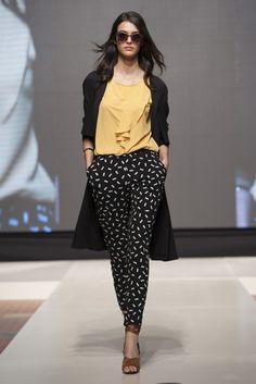 Dimenticate le sfumature, quest'anno il black&white si esalta con colori forti. Ecco le novità Motivi per la Spring Collection 2016! #Spring2016 #MotiviFashion #Miroglio #Shopping
