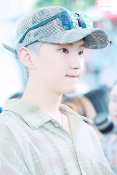 180706 at Incheon Airport Heading to Taipei - Hoshi Seventeen Memes, Hoshi Seventeen, Seventeen Debut, Star In Japanese, Choi Hansol, Won Woo, Hip Hop, Seventeen Wallpapers, Pledis 17