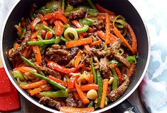 Beef stir fry with crunchy vegetables asian recipes, keto recipes, healthy Italian Dinner Recipes, Healthy Dinner Recipes, Keto Recipes, Chinese Beef Stir Fry, Chinese Food, Chinese Eggplant Recipes, Plats Weight Watchers, Low Carb Brasil, Asian Recipes