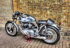 Triton Norton Motorcycle, Cafe Racer Motorcycle, Street Scrambler, Scrambler Custom, Vintage Cafe Racer, British Motorcycles, Cafe Style, Motorbikes, Brat Cafe