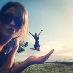 #bestfriendphotoshoot #besties #perspective #jump