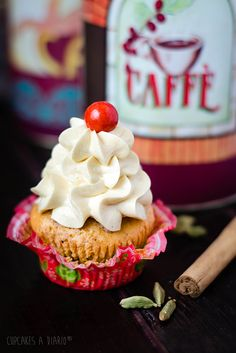 Cupcakes de cardamomo y canela con crema de mantequilla francesa