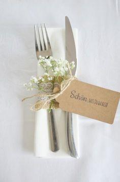 Frau Piepenkötter: Fast DIY: Nice idea for napkins and cutlery on . - Frau Piepenkötter: Fast DIY: Nice idea for napkins and cutlery on the confirmation board! Wedding Table, Diy Wedding, Rustic Wedding, Dream Wedding, Wedding Day, Card Wedding, Wedding Cutlery, Wedding Invitations, Wedding Notes