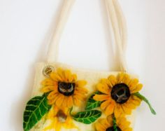 Felt bag from a wool Poppy and a gift