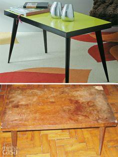 """Esta mesa de centro com pés palito, um clássico dos anos 50, saiu do lixo e ganhou o tom moderno de verde limão. """"Como a madeira do tampo estava desgastada, somente pintura não resolveria o caso. A solução foi revestir a superfície de laminado melamínico"""", explica o repórter visual Mario Mantovanni."""