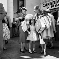 Mystery Photographer Vivian Maier's Breathtaking Work Uncovered Decades Later…