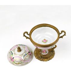 Porcelana de Sèvres - Bombonera en porcelana y bronce - ppios s.XIX