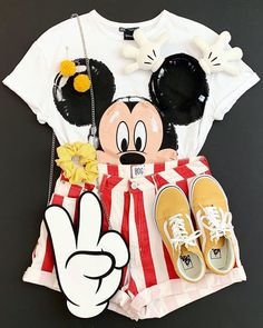 Cute Disney Outfits, Disney World Outfits, Disney Themed Outfits, Disneyland Outfits, Cute Casual Outfits, Disneyland Trip, Disney Clothes, Disney Merch, Disney Shirts