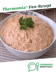 Ruck-Zuck Dip mit getrockneten Tomaten Quick dip with dried T-Bine tomatoes. A Thermomix ® recipe from the Sauces / Dips / Spreads category www.de, the Thermomix ® community. Healthy Eating Tips, Healthy Foods To Eat, Healthy Drinks, Snack Recipes, Snacks, Healthy Recipes, Drink Recipes, Pesto Dip, Quick Dip