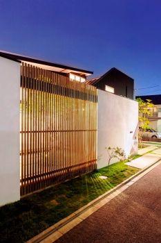 O's house – Do it yourself Deck Construction, Yokohama, Outdoor Living, Outdoor Decor, Japanese Modern, Modern Exterior, House 2, Living Spaces, Garage Doors