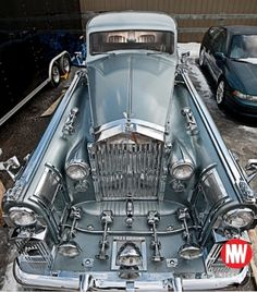 Rolls Royce silver wraith: This is the car I need for my bad night vision! At least 10 headlights, YES! Rolls Royce Silver Wraith, Rolls Wraith, Rolls Royce Vintage, Weird Cars, Best Classic Cars, Unique Cars, Amazing Cars, Car Car, Hot Cars